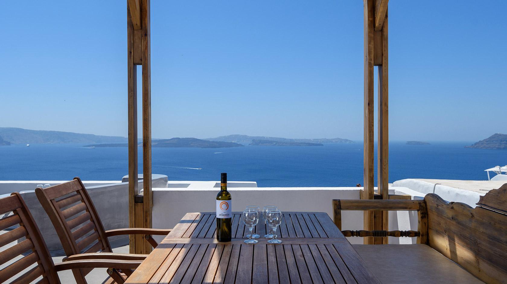 Oia Santorini Ianthe Apartments & Villa in Oia Santorini ...